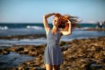Обои Девушка Юлия стоит на фоне моря, фотограф Zachar Rise