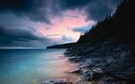 Обои Каменистое побережье на закате