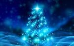 Обои Новогодняя елка выполненная в голубых тонах с помощью блестяшек и искр
