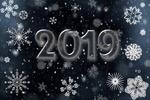 Обои На фоне со снежинками цифры 2019