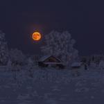 Обои Зимнее полнолуние над деревней, фотограф Алексей Юницын