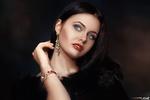 Обои Модель Наталья Гурова позирует на темном фоне, фотограф Alexander Drobkov-Light
