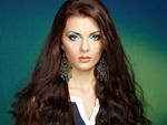 Обои Портрет девушки- брюнетки с серьгами и макияжем, by Oleg Gekman