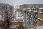 Обои Зимний вид на железный мост Cooley Bridge через реку Pine river, Michigan / Мичиган