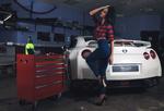 Обои Модель Nita Location позирует в гараже у авто, фотограф Александр Базилев