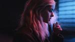 Обои Модель Соня с длинными волосами с сигаретой в руке, фотограф Aleks Five