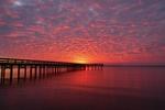 Обои Длинный пирс на реке на закате, King Lincoln park, Newport News, Virginia / Кинг Линкольн Парк, Ньюпорт Ньюс, Вирджиния, фотограф Michael Ballard