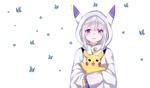 Обои Эмилия / Emilia из аниме Re: Жизнь в альтернативном мире с нуля / Re:Zero kara Hajimeru Isekai Seikatsu держит на руках Pikachu / Пикачу из аниме Pokemon / Покемон