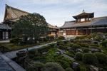 Обои Традиционная японская усадьба с садом камней, Япония / Japan