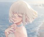 Обои Девушка с короткой стрижкой на берегу моря