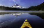Обои Гора со снежной вершиной, деревья и их отражение в голубой воде озера, by Simon W Xu