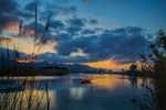 Обои Лодки и катера на реке летним вечером, фотограф Sergey Drobkov