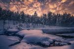 Обои Облачное небо над рекой в Ringerike, Норвегия, фотограф Ole Henrik Skjelstad