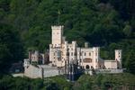 Обои Stolzenfels Castle / Замок Штольценфельс, утопающий в зелени деревьев, Germany / Германия