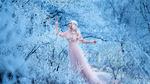 Обои Девушка в зимнем лесу, фотограф Irina Kharchenko