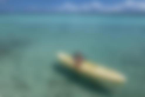 Обои Модель на лодке на воде, by Eric Snyder
