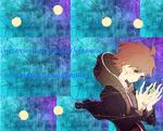 Обои Макото наэги / makoto naegi из аниме школа отчаяния / Danganronpa (i hate this nasty robot very much said naegi danganronpa / я очень сильно ненавижу этого робота говорит наэги школа отчаяния) вокруг него падают люстры и фонари