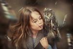 Обои Девочка с совой, фотограф Любовь Пятовская