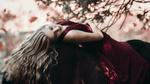 Обои Модель Janica с длинными волосами в бордовом платье, by Nicola Davide Furnari