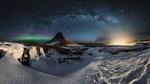 Обои Млечный путь в ночном небе над зимней природой Iceland / Исландии, фотограф Mauro Cirigliano