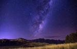 Обои Млечный путь в звездном небе над горами, фотограф Ben Robinson