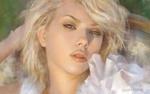 Обои Портрет девушки-блондинки в белом, by Alon Chou