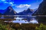Обои Озеро на фоне гор, голубого неба и облаков, by skeeze