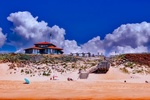 Обои Пляж на фоне дома. лестницы, неба с облаками, by 12019