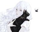 Обои Девочка с черной кошкой на плече