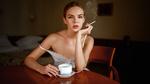 Обои Модель Настя с сигаретой сидит за столом, by Georgy Chernyadyev