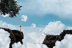 Обои Девочка стоит на скале и смотрит на облака-барашек, фотограф Mina Mimbu