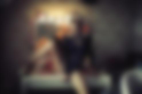 Обои Блондинка в очках позирует на столике у зеркала, (Love / любовь), by Karen Abramyan