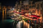 Обои Ночная Венеция канал гондолы свет уличных фонарей
