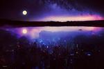 Обои Яркая луна над озером с отражением ночного города, by BaxiaArt