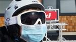 Обои Человек в лыжном шлеме с медицинской маской на лице, by Alexandra_Koch