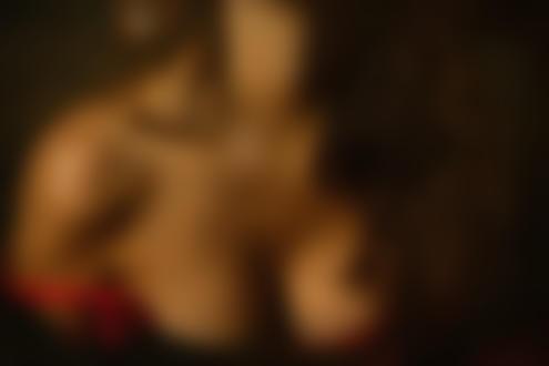 Обои Девушка с оголенной грудью. Фотограф Zachar Rise