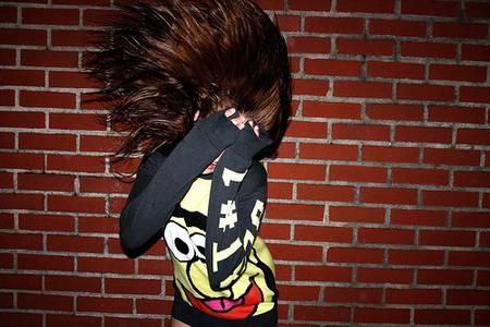 Фото Девушка закрылась руками (© Юки-тян), добавлено: 11.08.2010 19:13