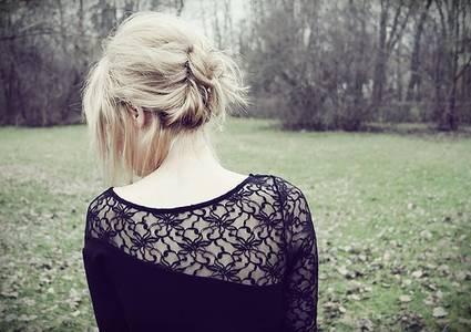 Фото Девушка в лесу