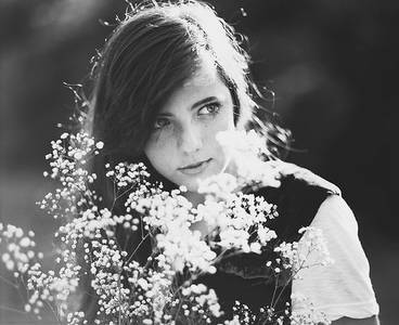 Фото Девушка и цветы (© Юки-тян), добавлено: 22.08.2010 22:48