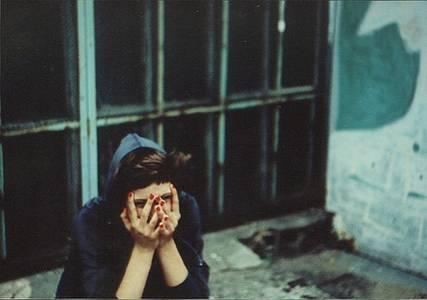 Фото Девушка закрыла лицо руками (© Юки-тян), добавлено: 28.08.2010 18:48