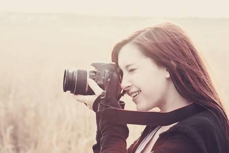 Фото Девушка с фотоаппаратом (© Юки-тян), добавлено: 01.09.2010 15:13