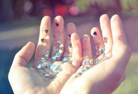 Фото Сердечки в руках (© Юки-тян), добавлено: 16.10.2010 07:19