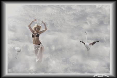 Фото девушка и облака (© Флориссия), добавлено: 19.10.2010 18:28