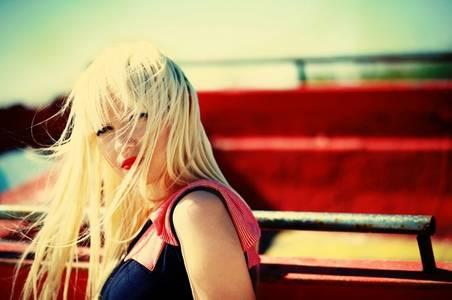 Фото блондинка (© Louise Leydner), добавлено: 20.10.2010 17:01