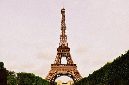 Фото эйфелева башня (© Юки-тян), добавлено: 21.10.2010 07:57