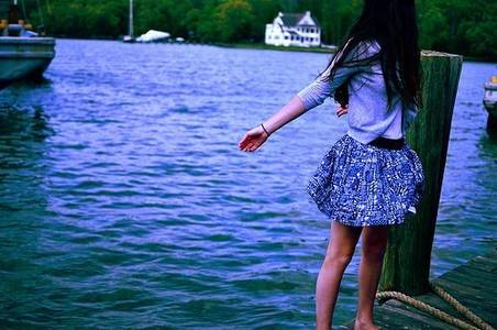 Фото Девушка у воды (© Юки-тян), добавлено: 22.10.2010 13:59
