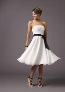 Фото девушка в белом платье