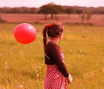 Фото Девушка с шариком (© Юки-тян), добавлено: 26.10.2010 16:57