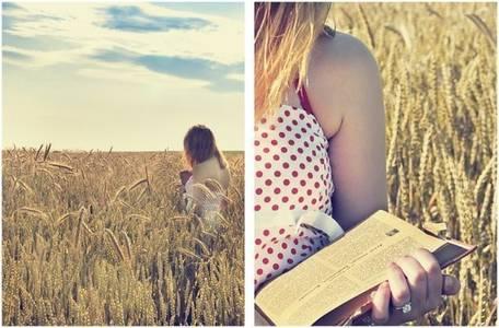 Фото девушка с книжкой (© Louise Leydner), добавлено: 28.10.2010 20:48