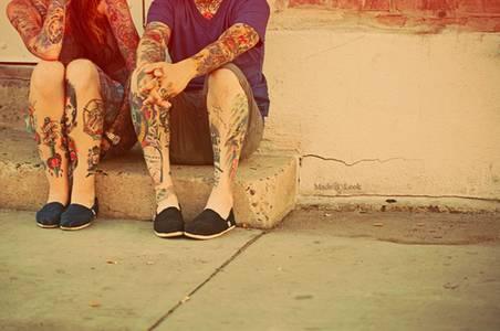 Фото парень и девушка в татуировках